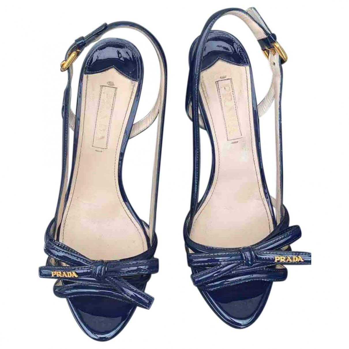 Prada \N Sandalen in  Blau Lackleder