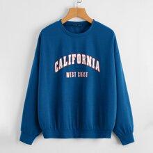 Sweatshirt mit sehr tief angesetzter Schulterpartie und Buchstaben Grafik