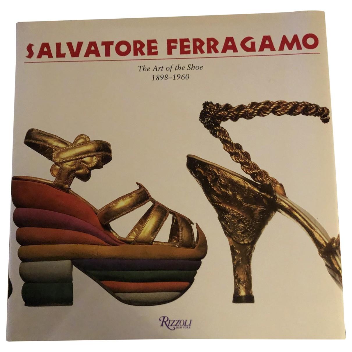 Salvatore Ferragamo \N Mode Beige