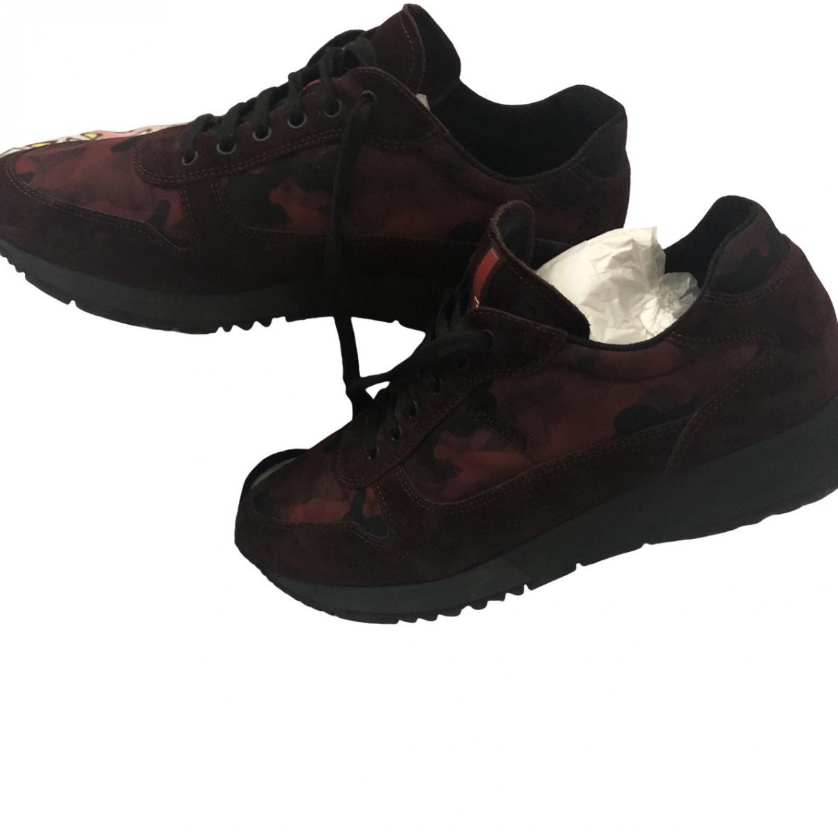 Prada \N Sneakers in  Bordeauxrot Veloursleder