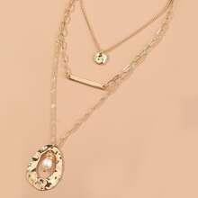 Mehrschichtige Halskette mit Perlen
