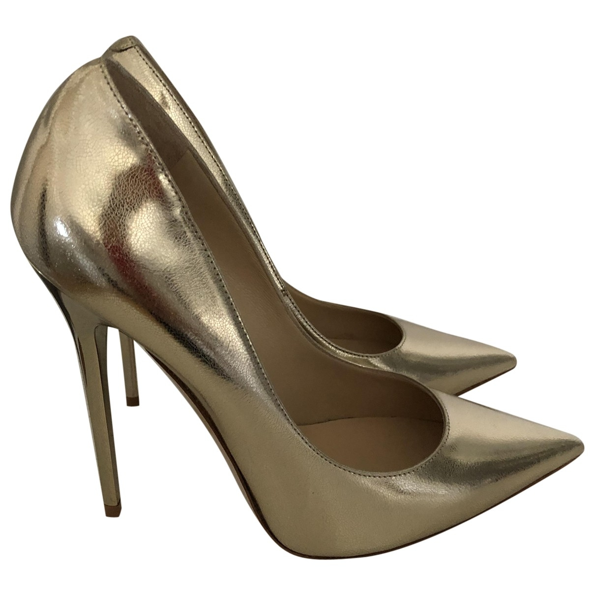 Jimmy Choo Anouk Pumps in  Gold Lackleder