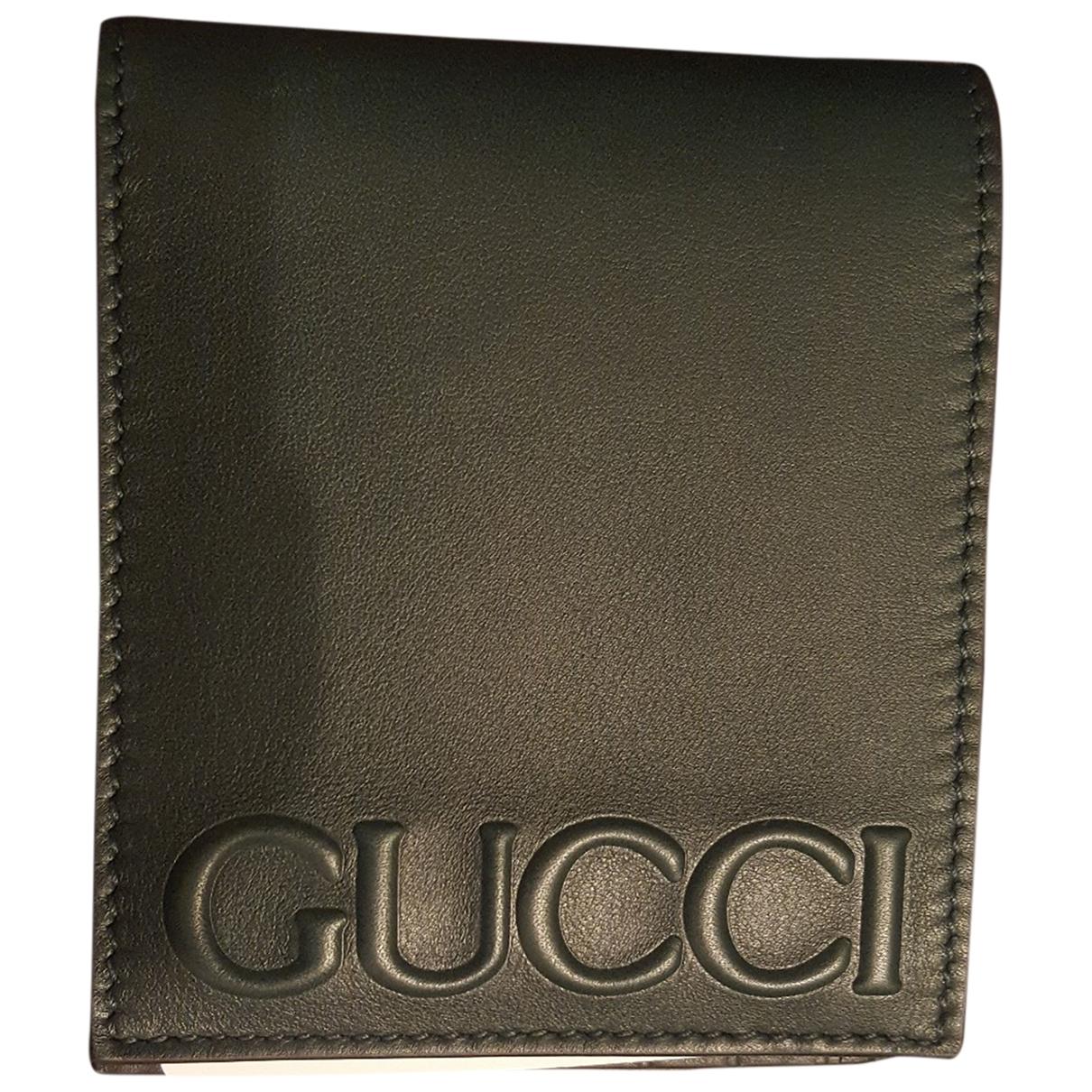 Gucci \N Kleinlederwaren in  Gruen Leder