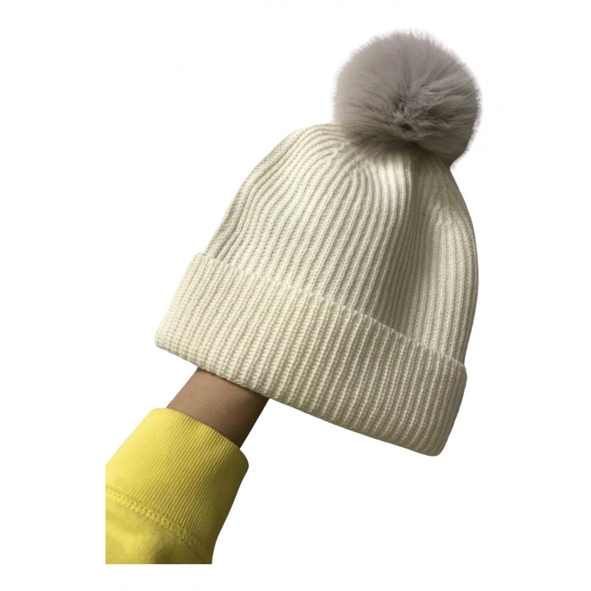 Max Mara N White Wool hat for Women 56 cm