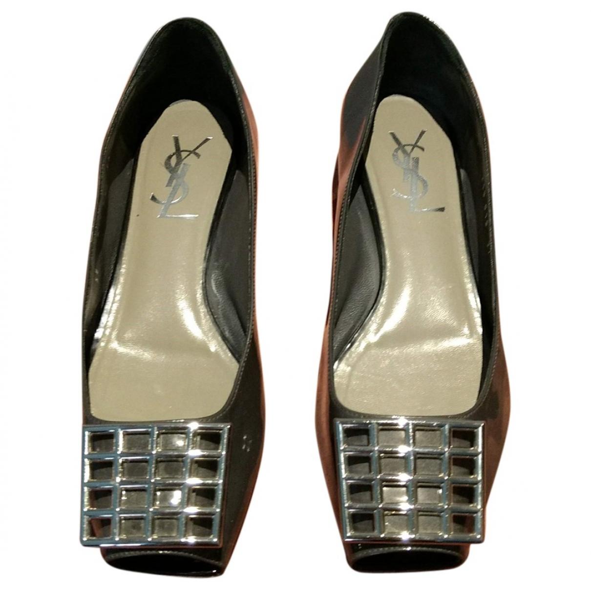 Yves Saint Laurent \N Grey Patent leather Ballet flats for Women 37 EU