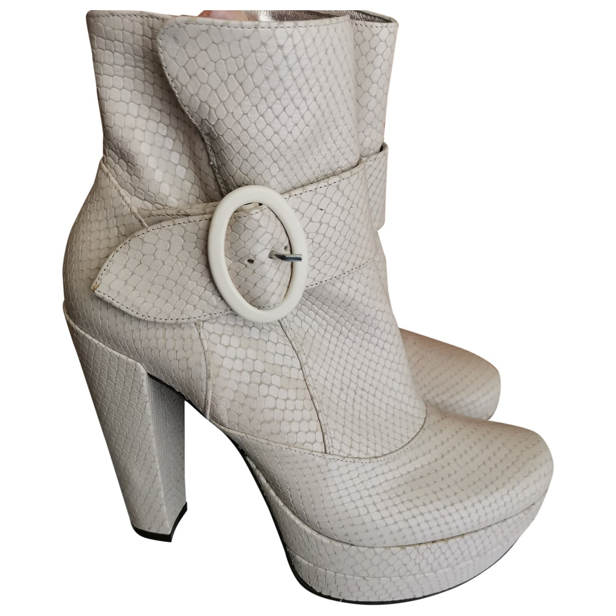 Free Lance \N Beige Leather Ankle boots for Women 37 EU