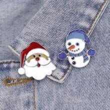 2 Stuecke Brosche mit Weihnachtsmann Design