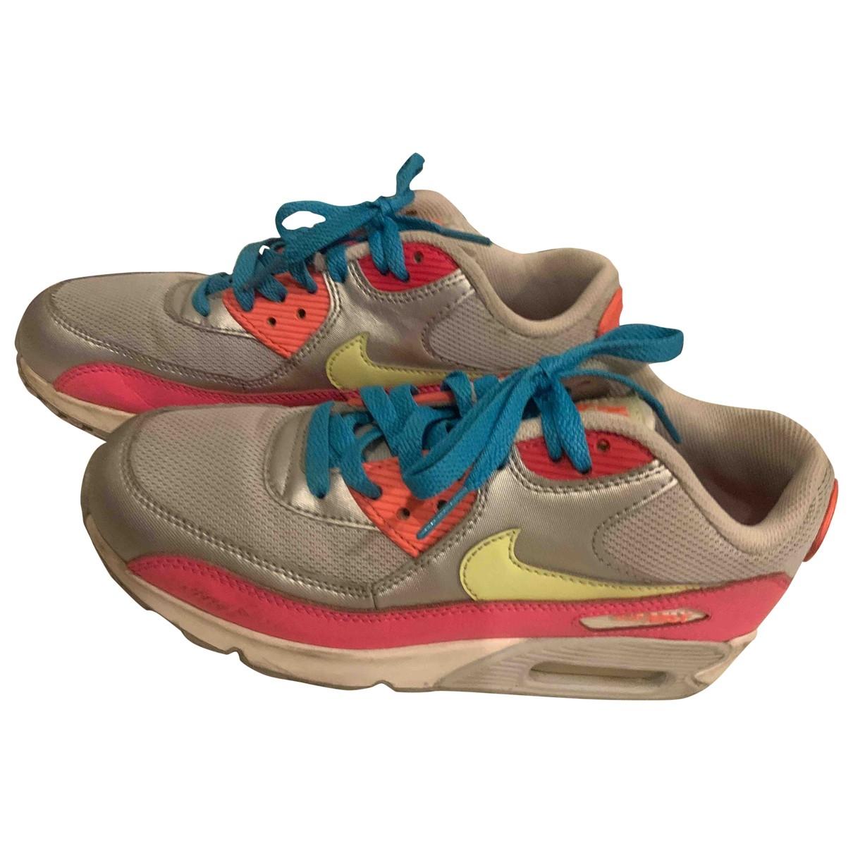 Nike - Baskets Air Max 90 pour femme en cuir verni - argente