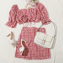 Conjunto top corto de cuadros con margarita con cordon delantero con falda