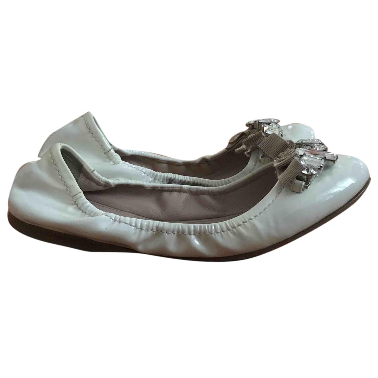 Miu Miu N White Leather Ballet flats for Women 35 EU