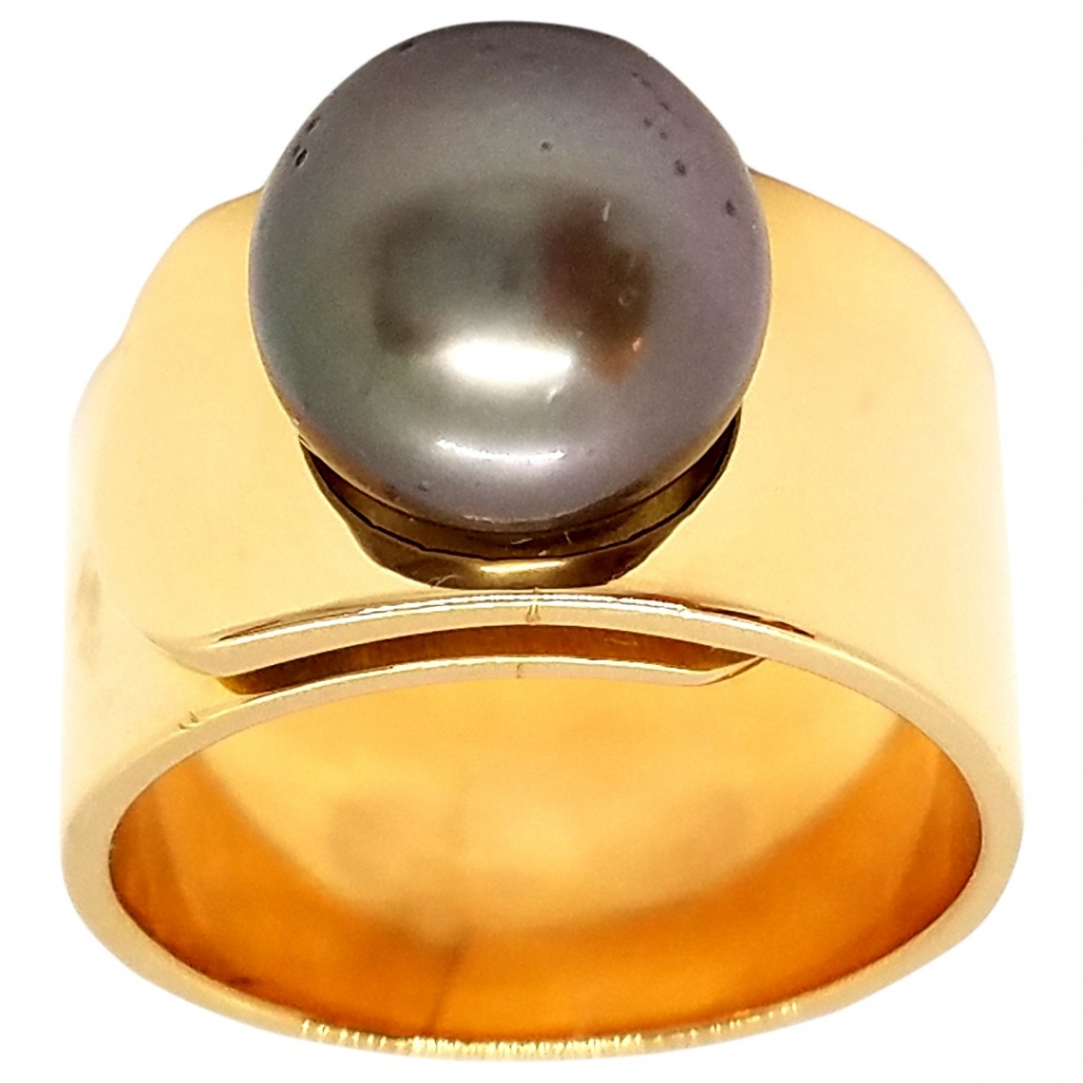 Non Signe / Unsigned Nacre Ring in  Rosa Rosegold