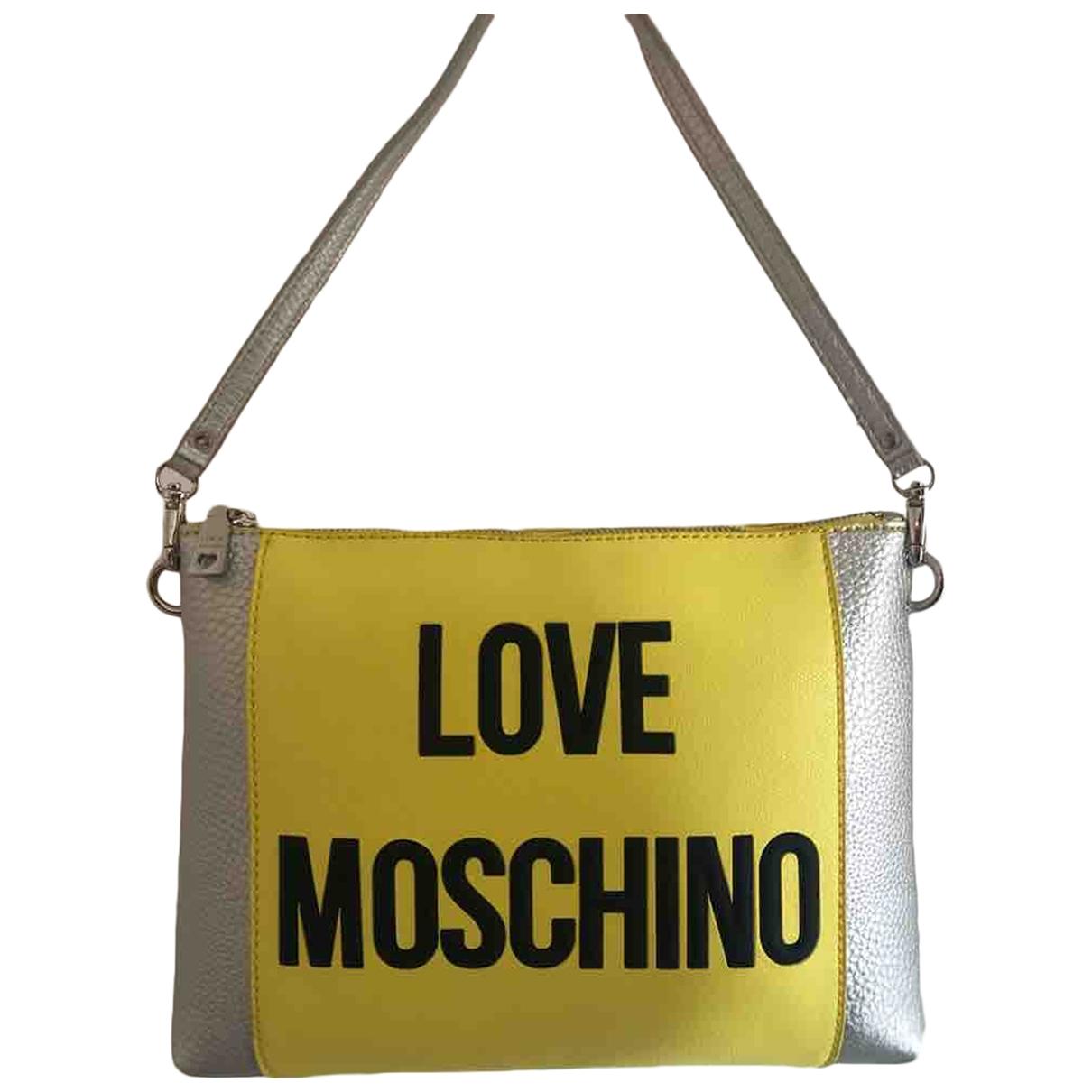 Bolsos clutch en Plastico Amarillo Moschino Love