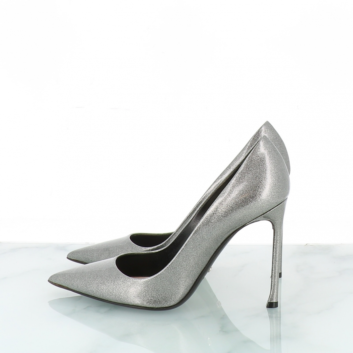 Dior \N Grey Leather Heels for Women 38.5 EU