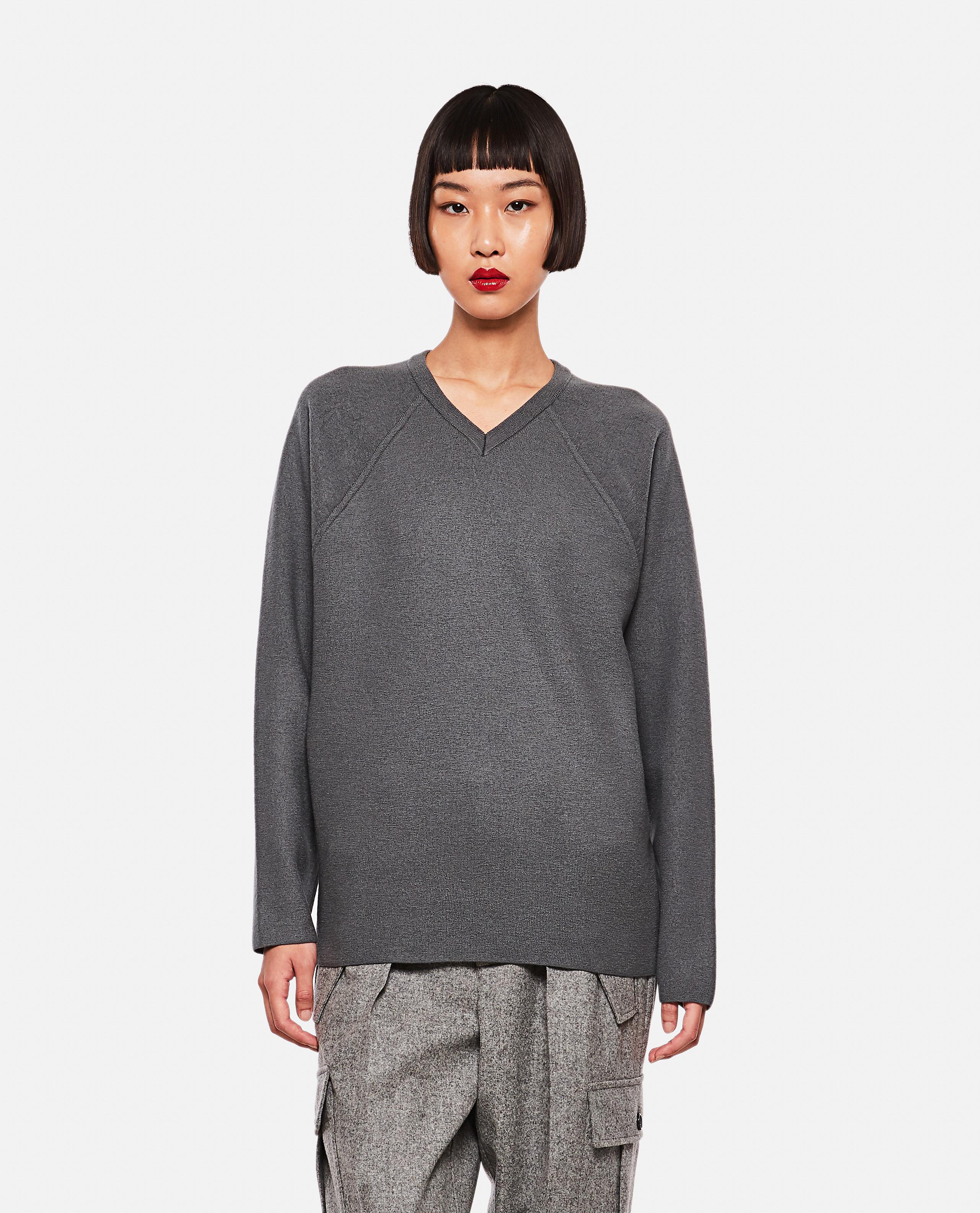 Long-sleeved v-neck sweater