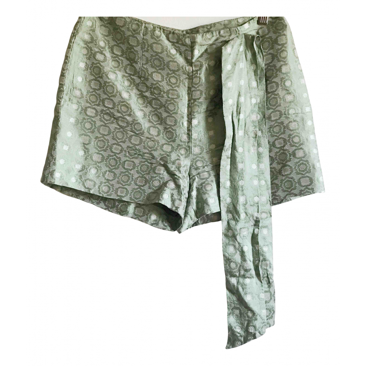Non Signe / Unsigned Hippie Chic Shorts in  Gruen Seide