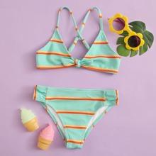 Maedchen Texturierter Bikini Badeanzug mit Streifen und Knoten vorn