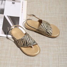 Kleinkind Maedchen Sandalen mit Zehenpfosten und Glitzer Dekor