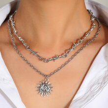 2pcs Knot Detail Sun Pendant Necklace