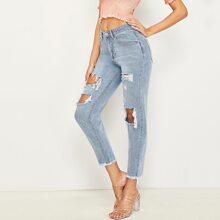 Jeans mit ungesaeumtem Saum