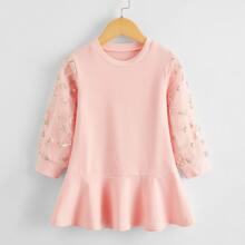 Kleid mit Kontrast Stickereien, Netzstoff und Rueschen
