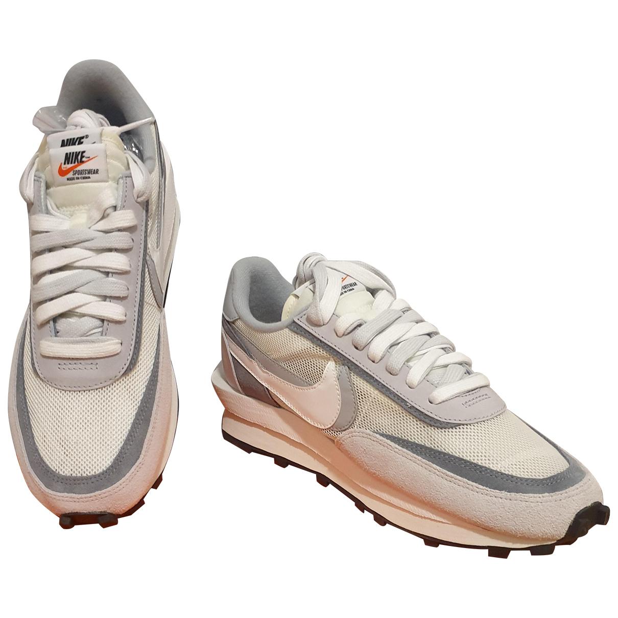 Nike X Sacai LDV Waffle Sneakers in  Weiss Leinen