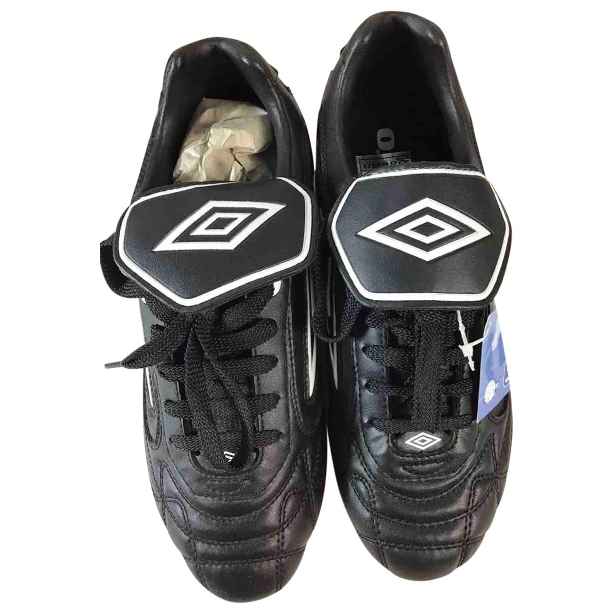 Umbro \N Sneakers in  Schwarz Leder