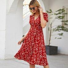 Kleid mit Blumen Muster, Wickel Design und Guertel