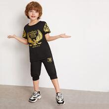 Camiseta de niñitos con estampado de dibujo con joggers