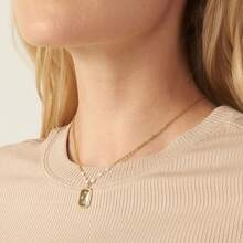 Halskette mit Strass und Geo Anhaenger
