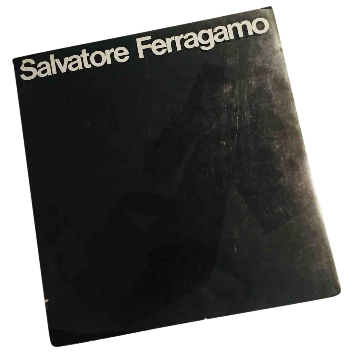 Salvatore Ferragamo \N Black Fashion for Life & Living \N