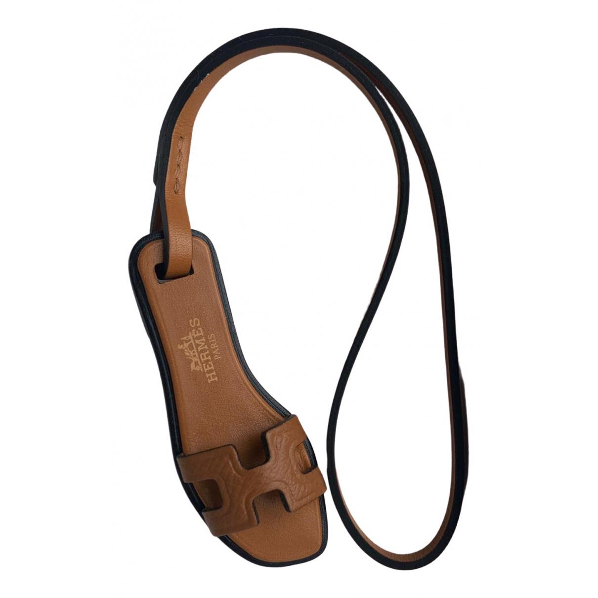 Hermes Oran Nano Charm Taschenschmuck in Leder