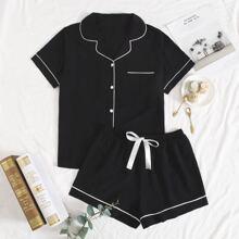 Schlafanzug Set mit Kontrast Bindung und Band vorn