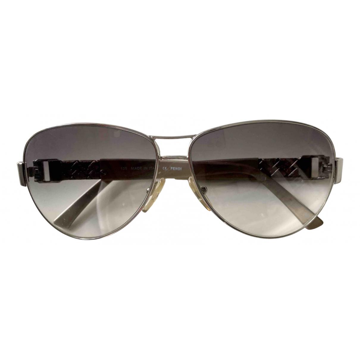 Fendi \N Sonnenbrillen in  Grau Metall