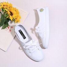 Slip On Sneakers mit Blumen Stickereien
