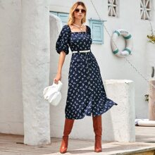 Kleid mit Anker Muster, Puffaermeln und Guertel