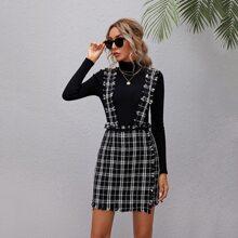 Tweed Kleid mit ungesaeumtem Saum und Plaid Muster