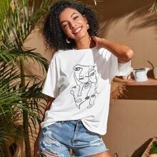 T-Shirt mit sehr tief angesetzter Schulterpartie und Figur Grafik