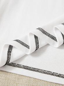 Figure Graphic Stitching Crop Tee