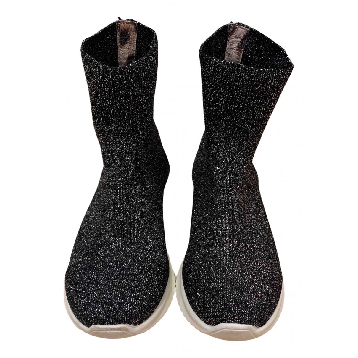 Roberto Cavalli \N Sneakers in  Grau Leinen