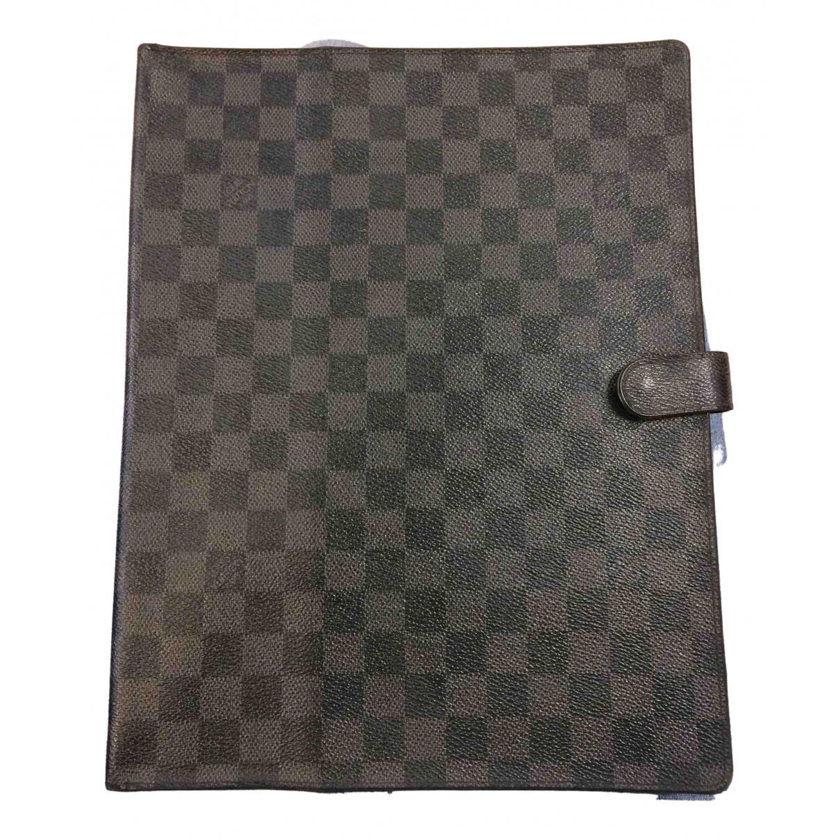 Louis Vuitton \N Kleinlederwaren in  Grau Leinen