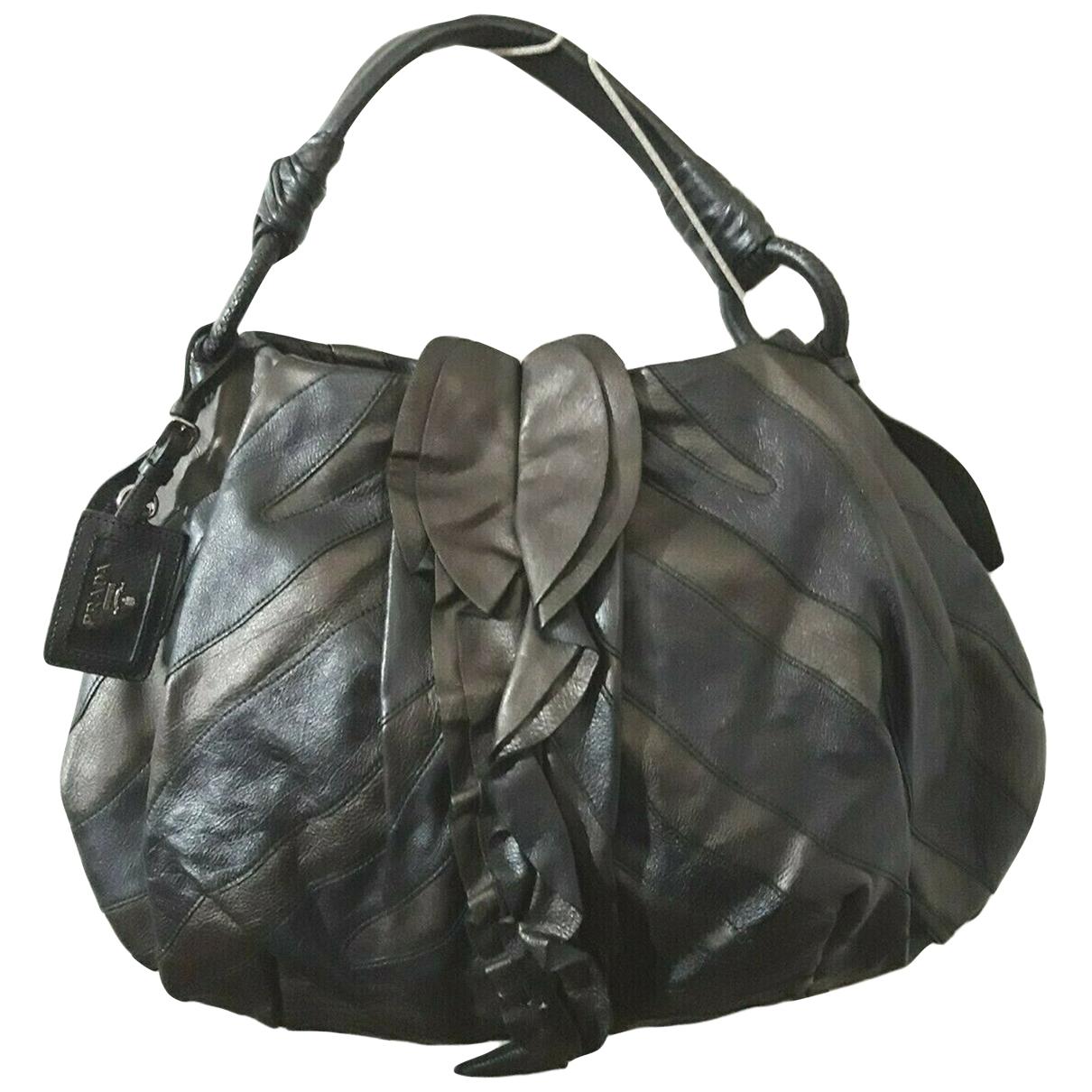 Prada \N Grey Leather handbag for Women \N