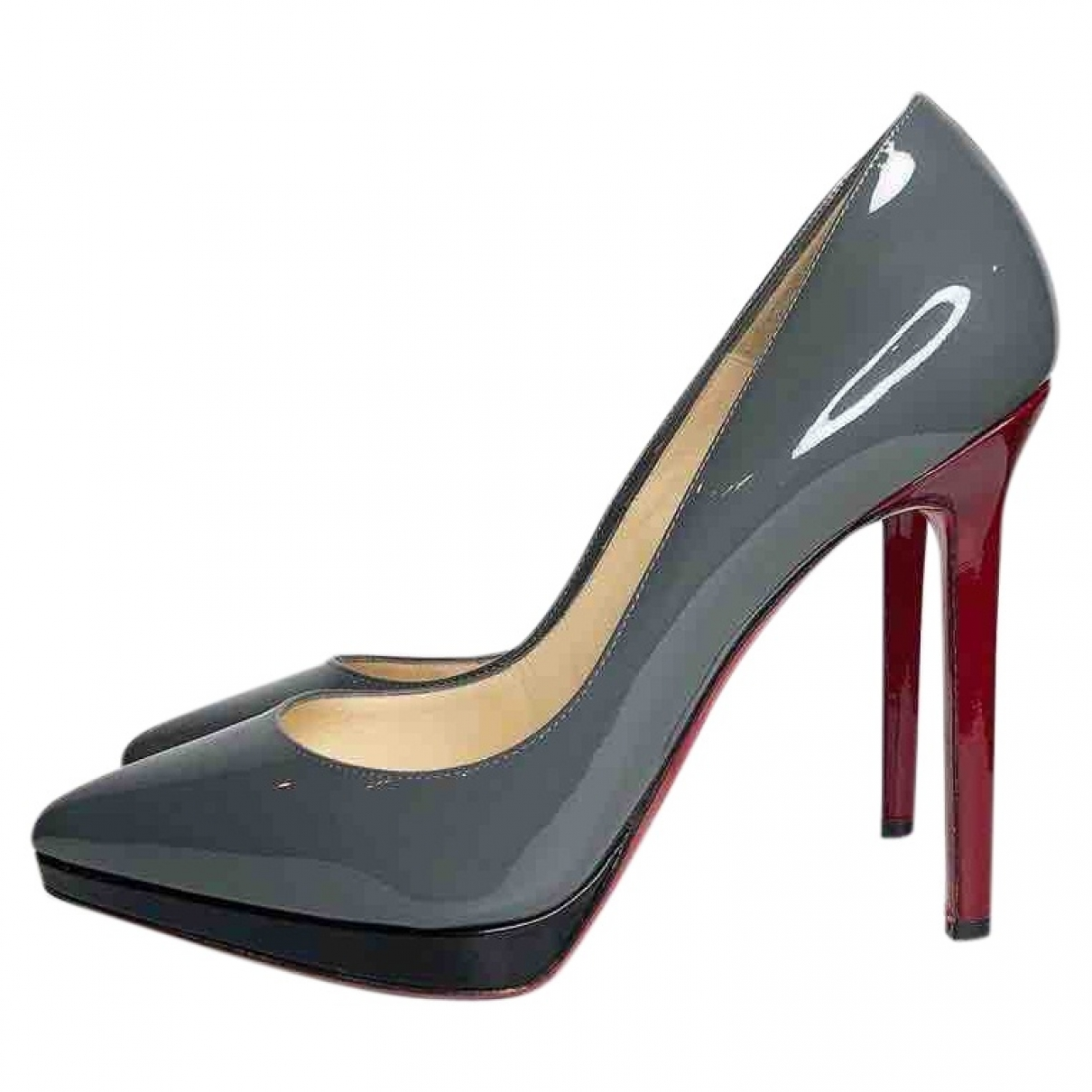 Christian Louboutin Pigalle Plato Pumps in  Grau Lackleder