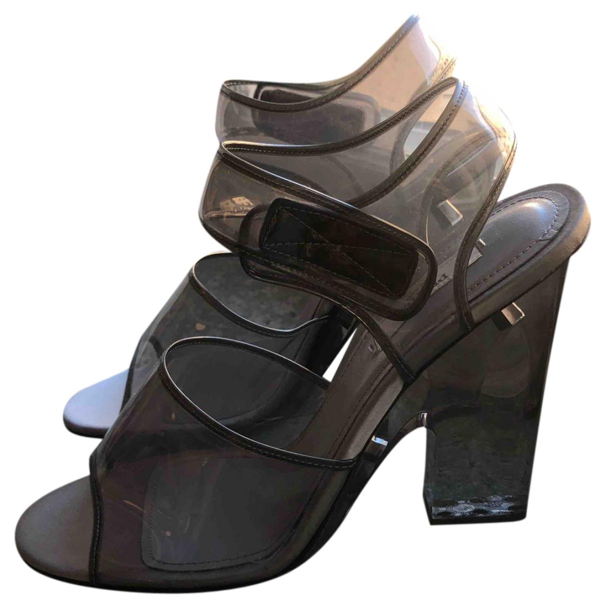 Prada \N Sandalen in  Grau Kunststoff