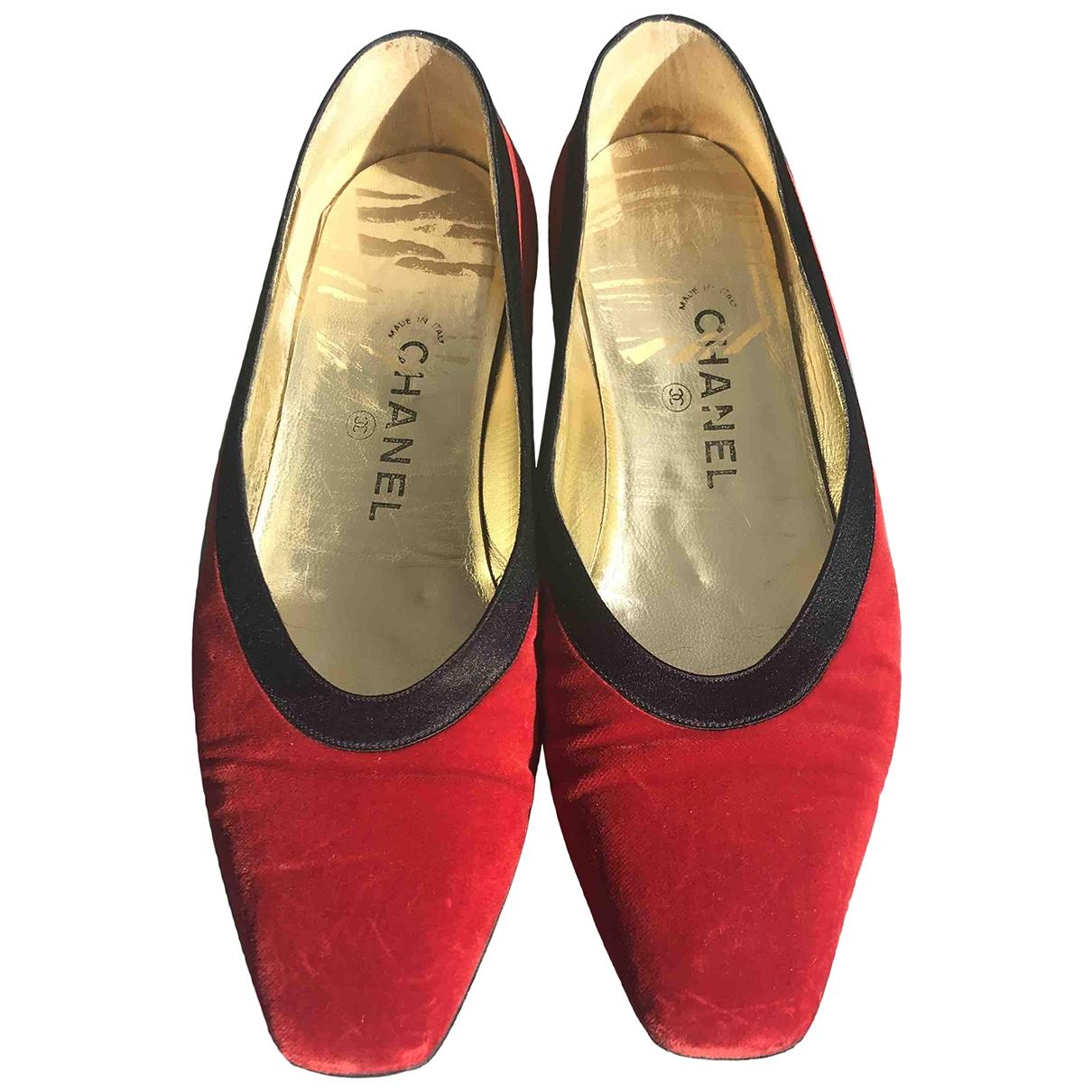 Chanel \N Ballerinas in  Rot Samt