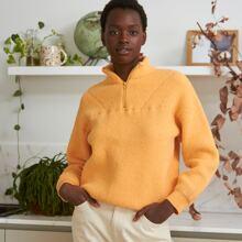 Einfarbiger Pullover mit halbem Reissverschluss