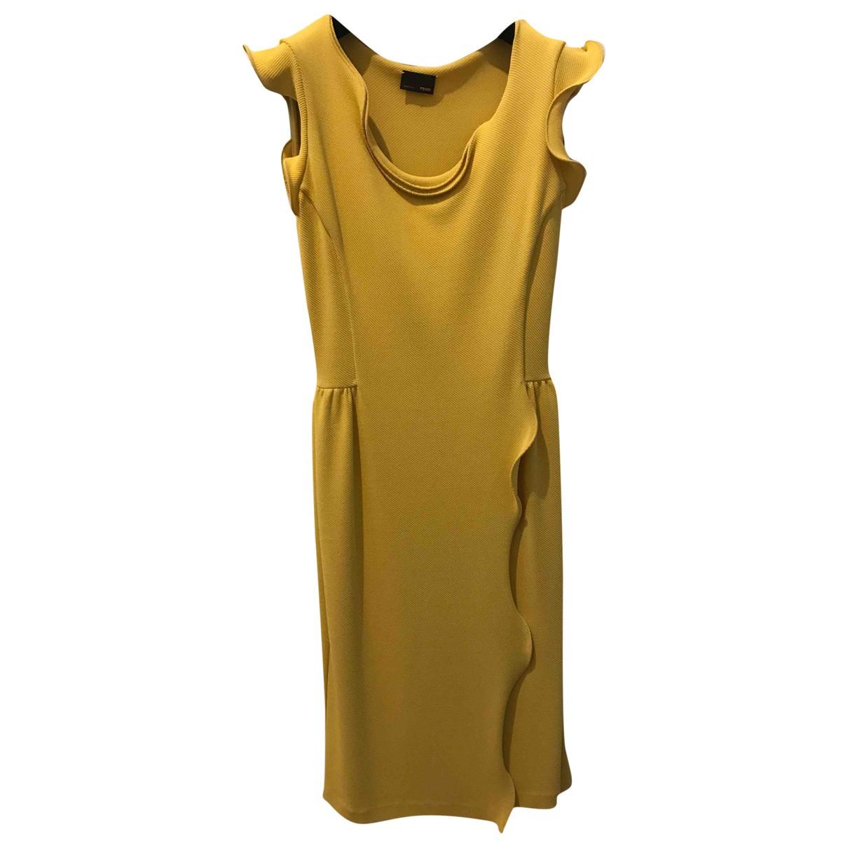 Fendi \N Kleid in  Gelb Viskose