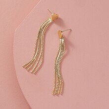 Ohrringe mit Herzen & metallischen Quasten Dekor