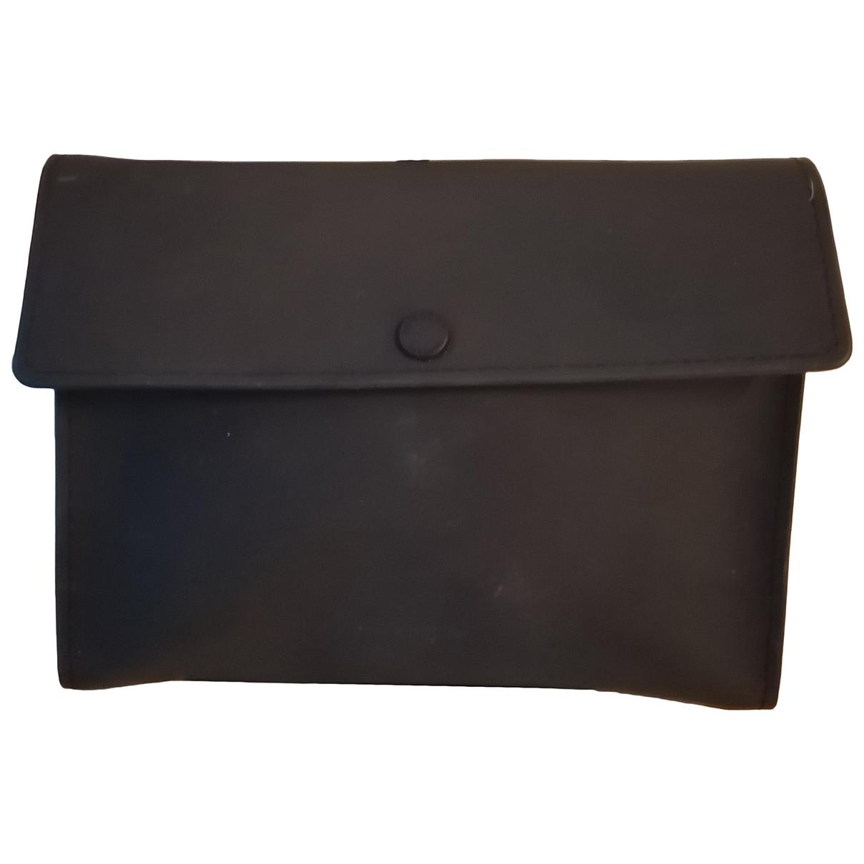 Bolsos clutch en Plastico Negro Givenchy