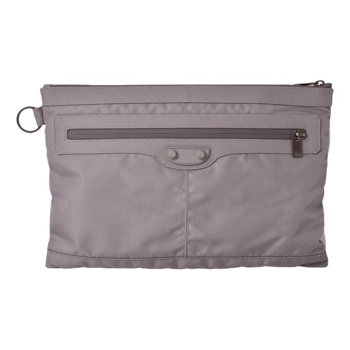 Balenciaga \N Grey Cloth Clutch bag for Women \N