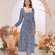 Kleid mit Bluemchen Muster, Guertel und Kontrast Spitze